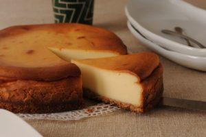 スタバのケーキのおすすめはどれ?カロリー&値段や期間限定も紹介!